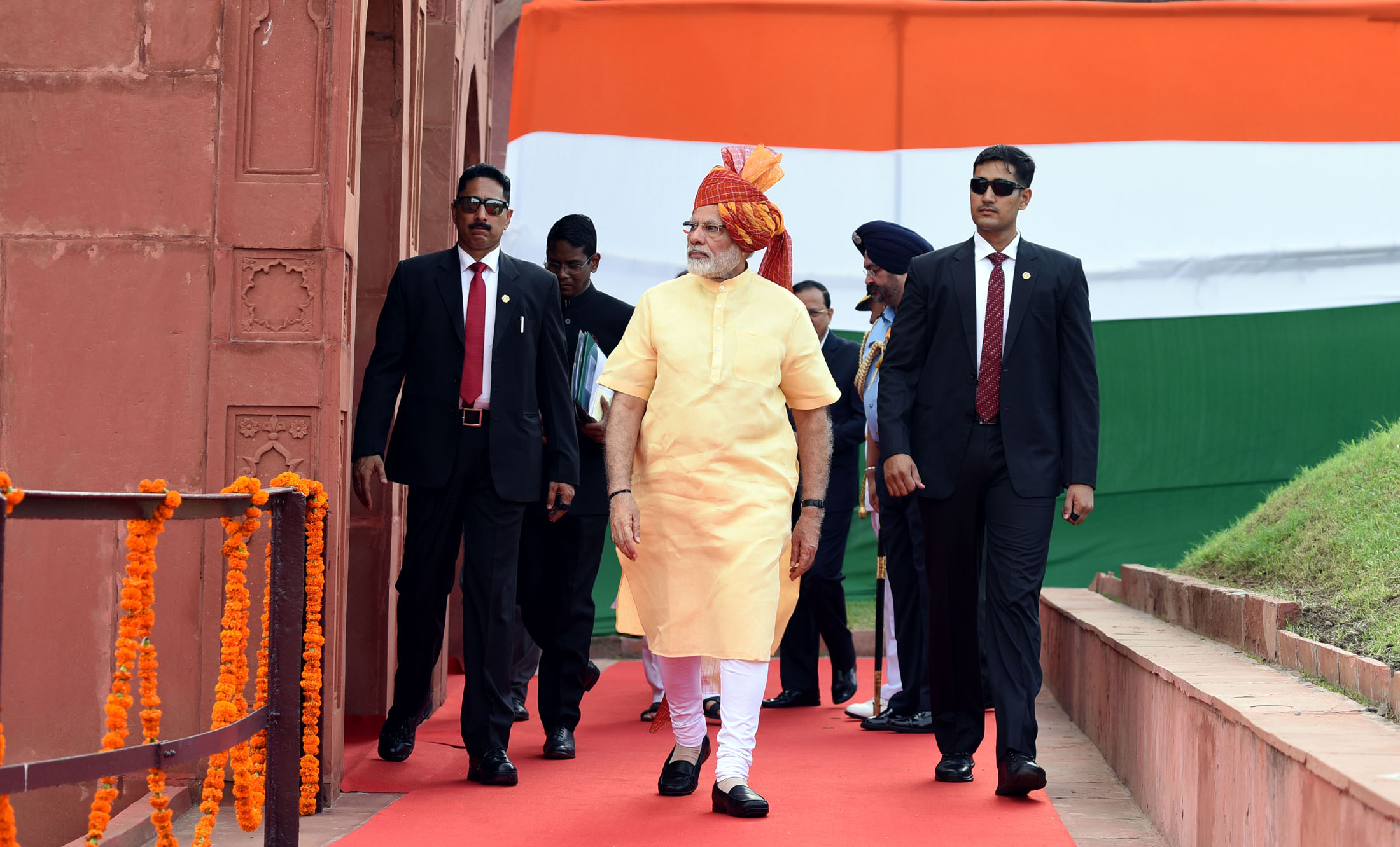 The Prime Minister, Shri Narendra Modi walking towards the dais to address the Nation at the Red Fort, on the occasion of 71st Independence Day, in Delhi on August 15, 2017.